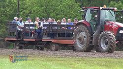 HRN 323 Hamvention Tractor & Wagon250.jpg